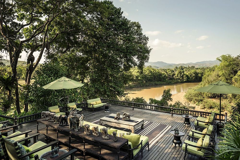 Terrasse im Four Seasons Tented Camp Golden Triangle, Thailand Reise