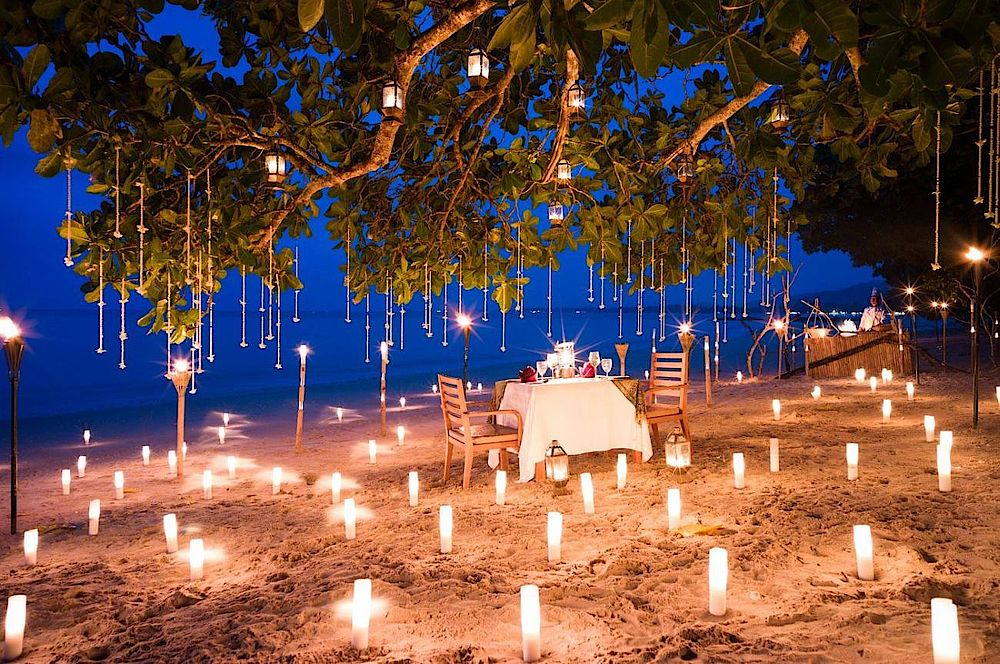 Candlelight-Dinner am Strand, The Sarojin Khao Lak, Thailand Reise