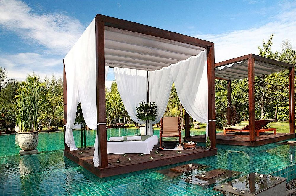 Liegen am Pool, The Sarojin Khao Lak, Thailand Reise